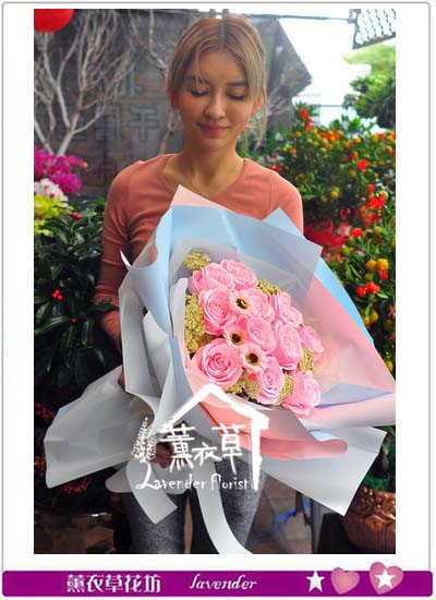 香氛玫瑰花束 107012103
