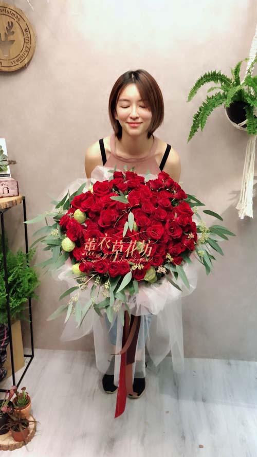 100朵玫瑰花束107092202