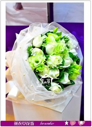 白玫瑰花束~預定全省免運a012205